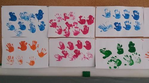 Des petites mains, des petites mains...