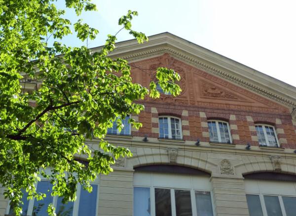16 - Ancienne usine électrique des Dames