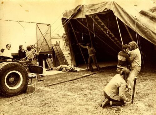 montage du cirque Jean Richard en 1978