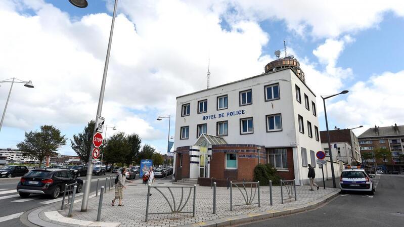 Dunkerque:  Une adolescente de 15 ans met au monde son bébé en garde à vue