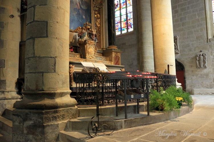 Bretagne : Quintin, Basilique N-D de Délivrance 1/2