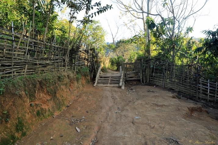 Houeisako, village Khmou, nord Laos