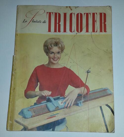 ALINE LAROCHE - MACHINE A TRICOTER