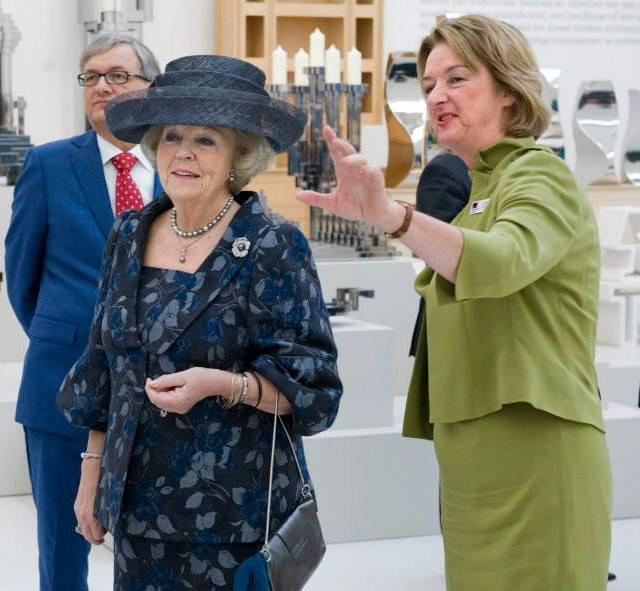 Beatrix inaugure