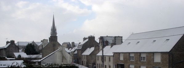 Plouescat-bourg-sous-la-neige-copie-1.JPG