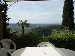 * Profitez de la terrasse, de la piscine, du panorama...