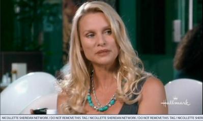 "Nicolette Sheridan dans ''Honeymoon for one""."