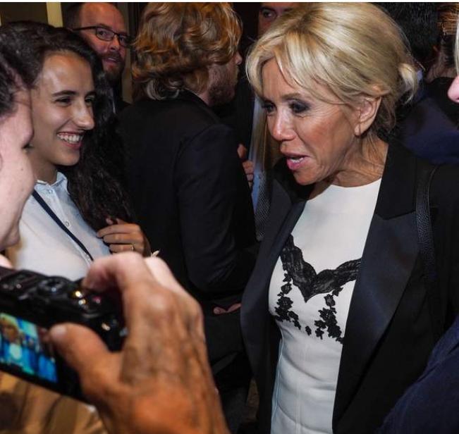 La robe que Brigitte Macron portait à New York n'a pas fait l'unanimité