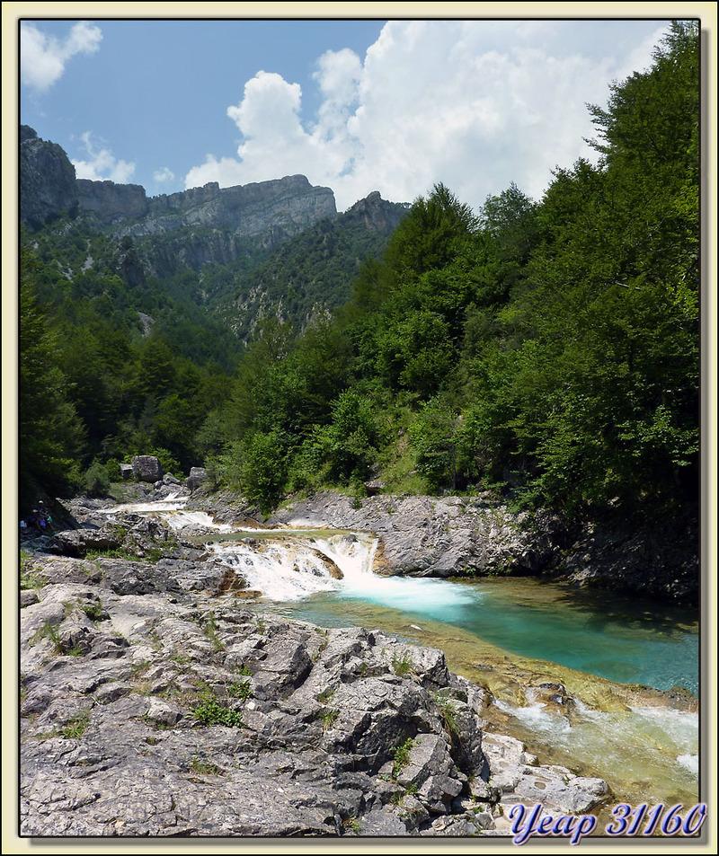 Les eaux turquoises du Rio Bellos - Cañòn d'Añisclo - Escalona - Aragòn - Espagne (España)