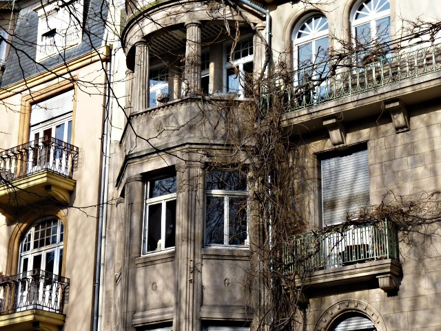 Avenue Foch de Metz 14 04 02 2010