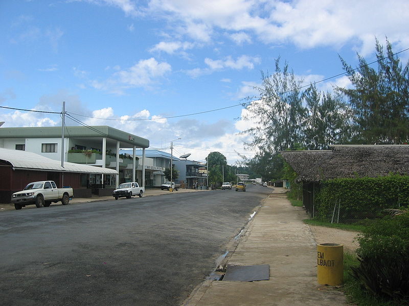 800px-Luganville main street