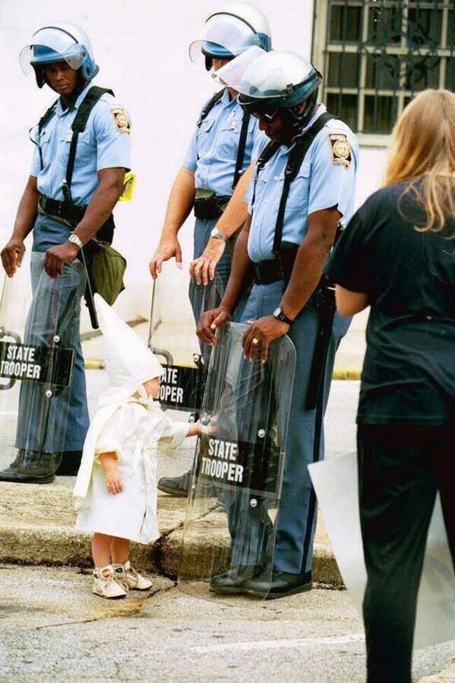 KKK : Pas très prometteur l'avenir de cet enfant