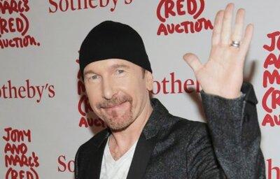 The Edge de U2 se téléchargera dans l'école élémentaire de Warren