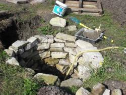 Le puits prend forme....