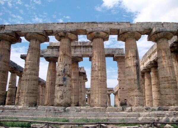 Paestum, basilique 2