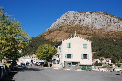 Le petit village de Caille