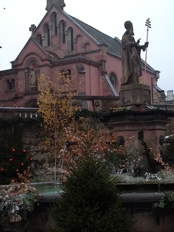 Eguisheim et sa fontaine