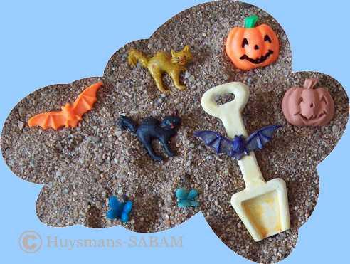 Déco Halloween: petite pelle, chauve-souris, chat et potiron - Arts et sculpture: sculpteur designer