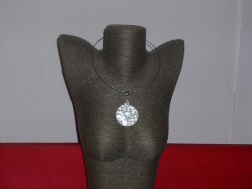 Collier un bijoux pétillant