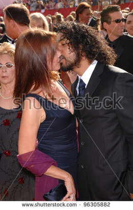"Résultat de recherche d'images pour ""barbara hershey Naveen Andrews"""