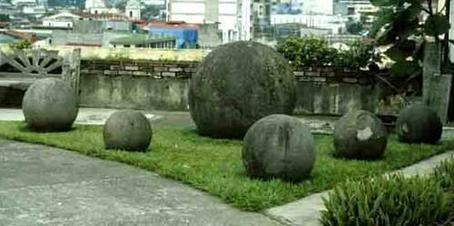 Énigmes préhistoriques:  Las Bolas « les Boules »