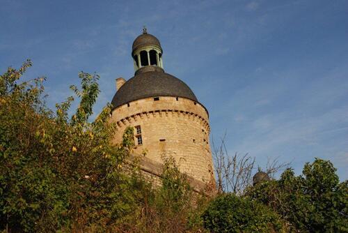 Une tour du château