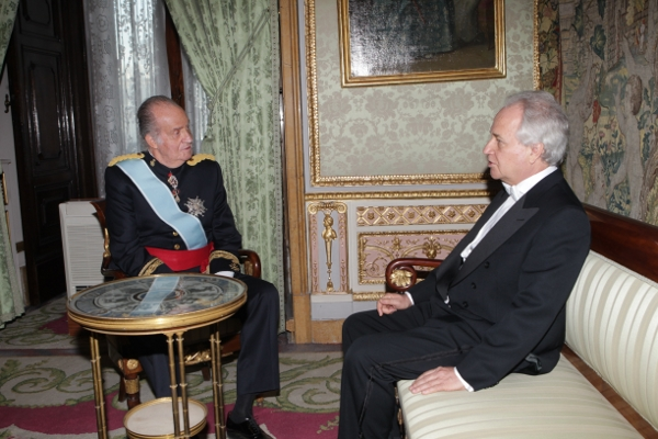 Juan Carlos et les nouveaux ambassadeurs