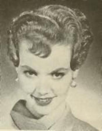 15 07 1948 Seance Maquillage Et Coiffure Par Ed Cronenweth Divine