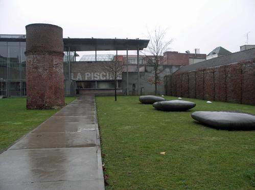Roubaix-Musee-de-la-Piscine entree.jpg
