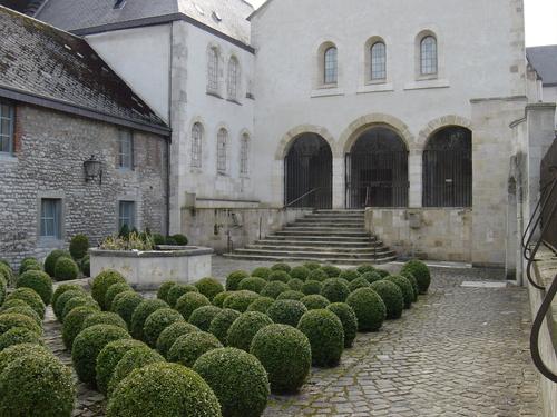 ** Visite de l'église abbatiale Saint-Rémy à Rochefort
