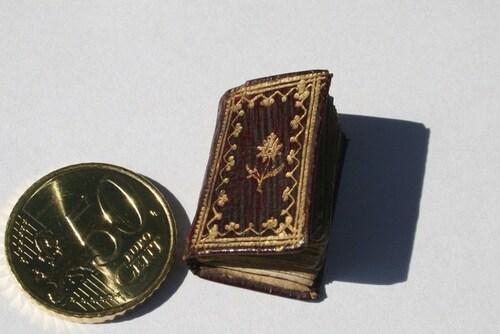 Les plus petits livres du monde