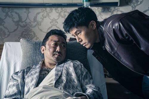 """Découvrez la bande-annonce du film """"LE GANGSTER, LE FLIC & L'ASSASSIN"""" de Lee Won-Tae - Le 14 août 2019 au cinéma"""