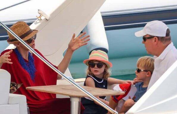 Famille royale monégasque en vacances en Corse