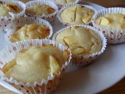 *** Petits gâteaux légers à la pomme et à la vanille ***