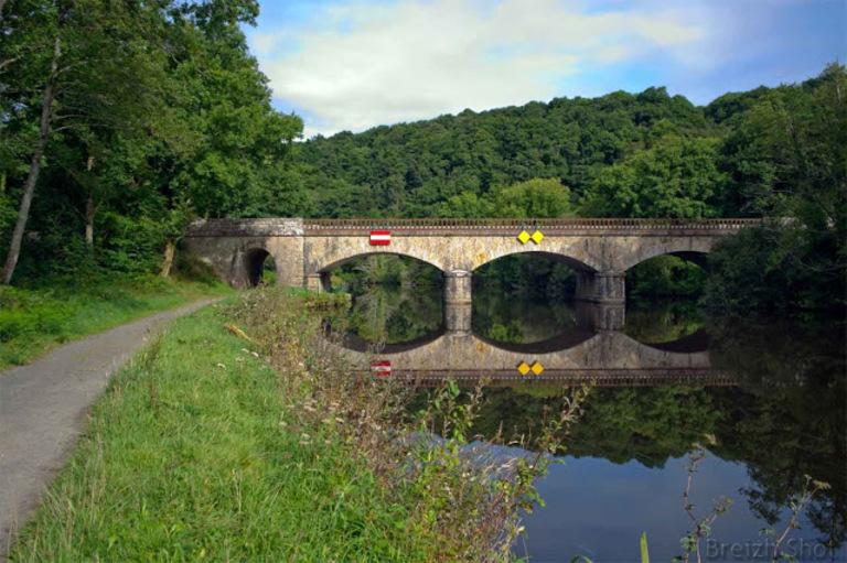 Saint-Nicolas-des-Eaux, un pont sur le Blavet