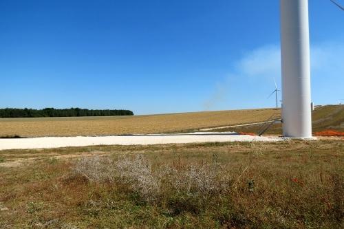 Un champ d'éoliennes à Etalente...