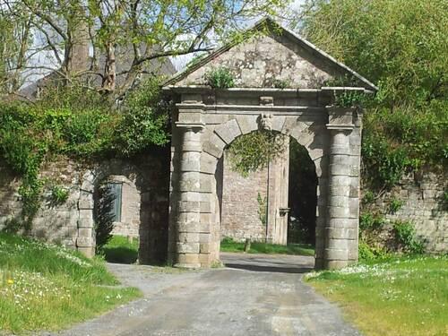 -Portail du manoir du Roudourou (Guingamp)