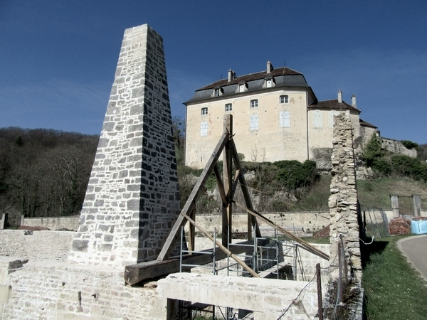 La forge de Rochefort est en reconstruction !!! quelle excellente nouvelle....