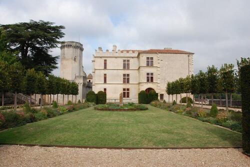 La partie renaissance que nous allons visiter et le donjon de l'ancien château
