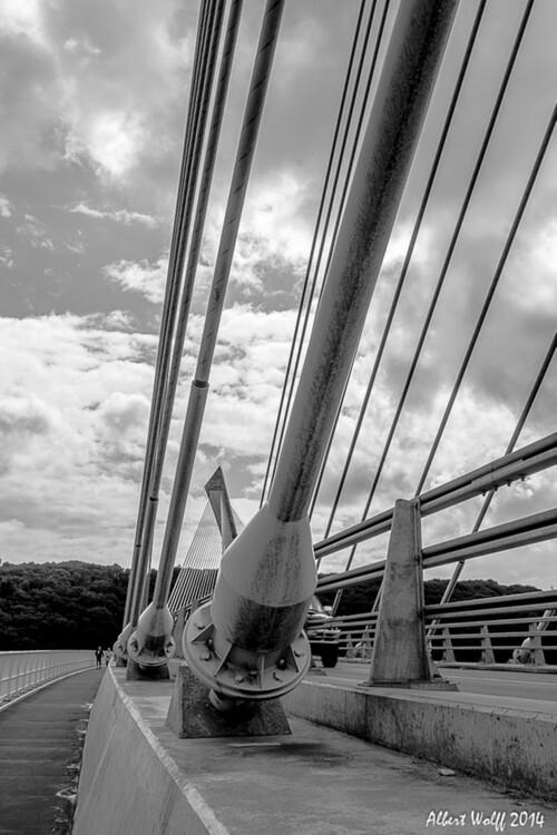 Bretagne 2014  :  un  pont. (1)
