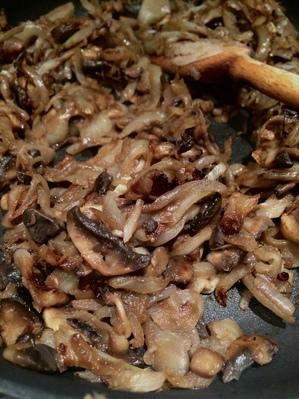 Tarte aux oignons et champignons