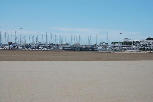 Port de plaisance et plage