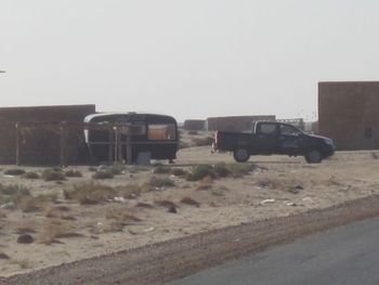 mauritanie poste de contr$ole de la gendarmerie avec caravane !