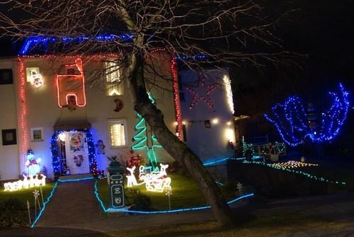 Tout comme l'année dernière, cette maison de Woluwe est incontournable à Noël