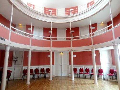 La Salle des Conférences de l'Hôtel de Ville de Châtillon sur Seine, superbement rénovée, a été inaugurée......
