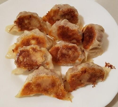 YAKI-GYÔZA à la viande hachée porc-bœuf, chou, oignon, ciboule, Oyster sauce & huile de sésame