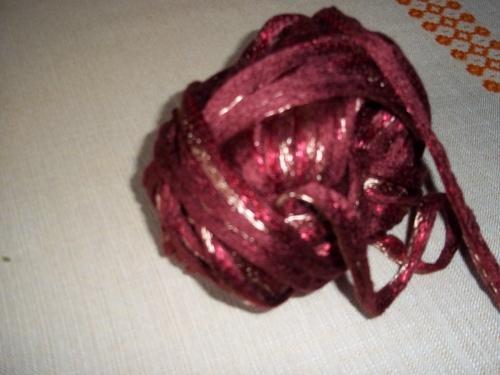 L'écharpe  frou-frou en laine  ruban