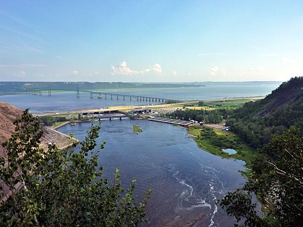 Québec vue sur St Laurent et Ile d'Orléans b