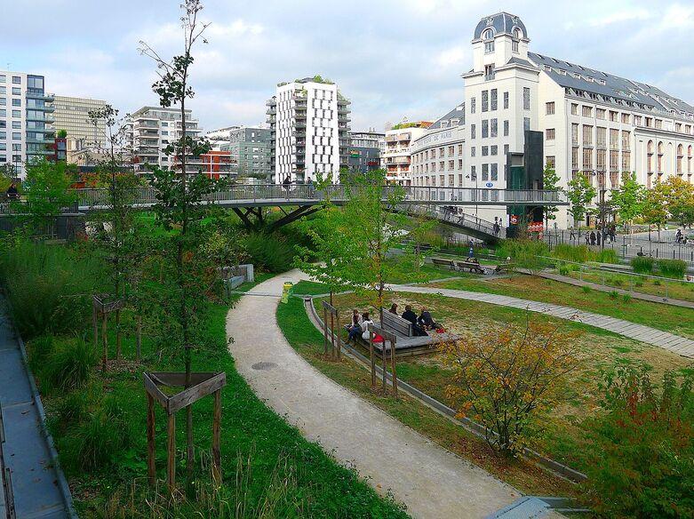 """Les Jardins """"Abbé-Pierre - Grands-Moulins""""."""