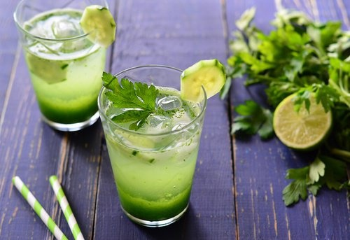 La boisson au persil pour nettoyer les reins naturellement